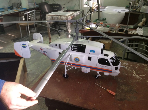 вертолет, макет