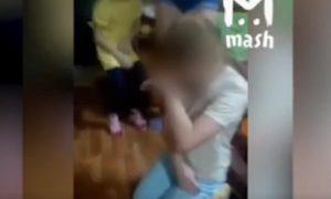 избиение девочки