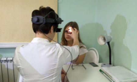 врач, офтальмолог