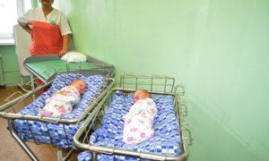 младенцы роддом