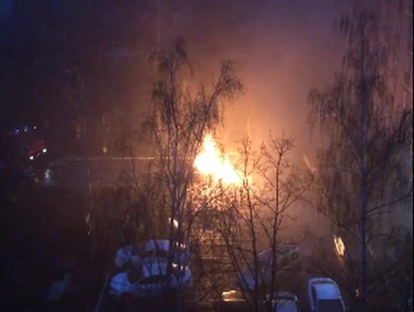 Пожарная, сгорела машина