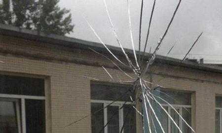 разбитое окно, стекло, школа