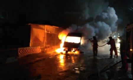 пожар, машина, сгорела машина
