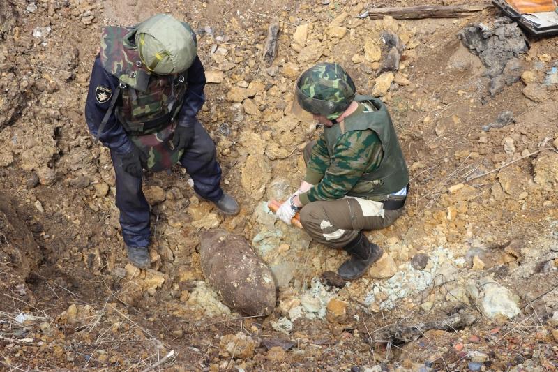 авиабомба, снаряд, боеприпас, взрывники