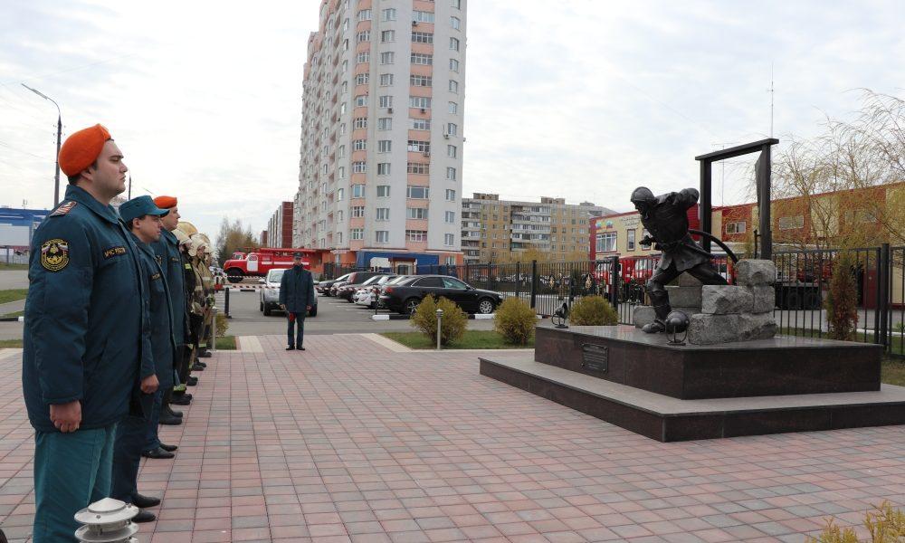 памятник героям пожарным