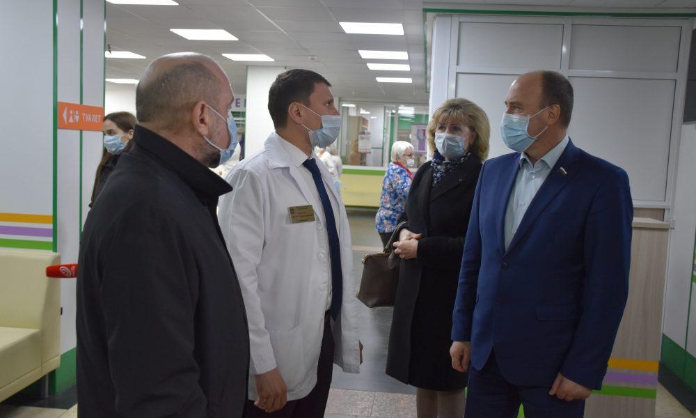 Музалевский, маска, врачи