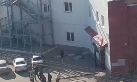 Наугорка, упал из окна