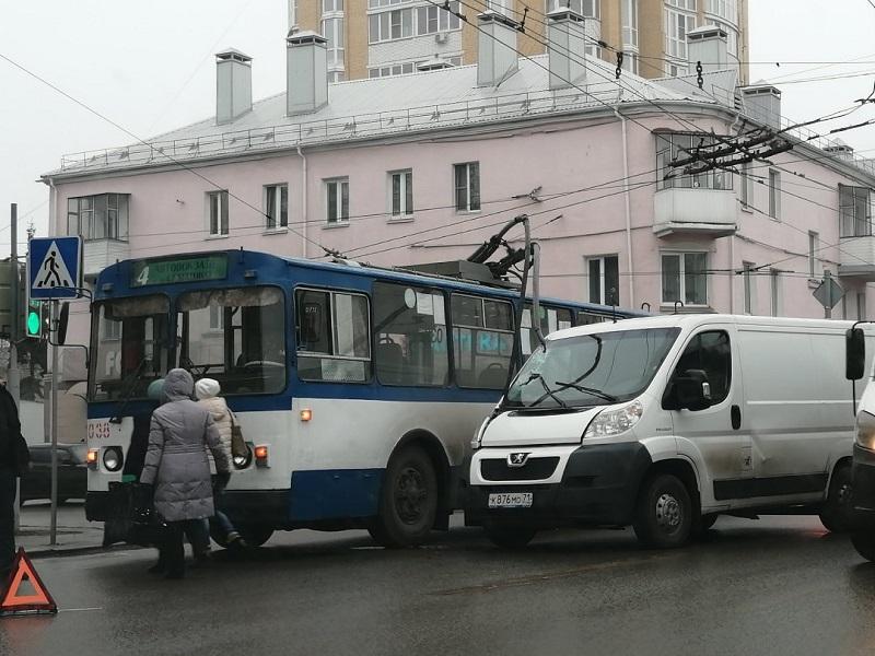 дтп с троллейбусом